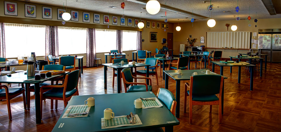 Colourful and inviting dining area | Kopernik Lodge